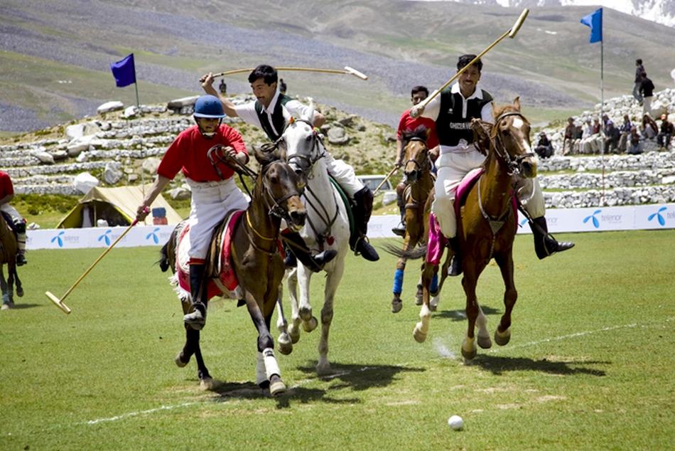 Polo in Shandur