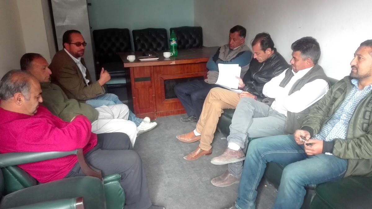 وزیر تعمیرات ڈاکٹرمحمد اقبال نے ہنزہ پریس کلب کے نو منتخب کابینہ کے اراکین سے حلف لیا